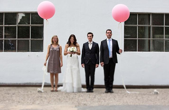 gruppenfoto_luftballons_trauzeugen